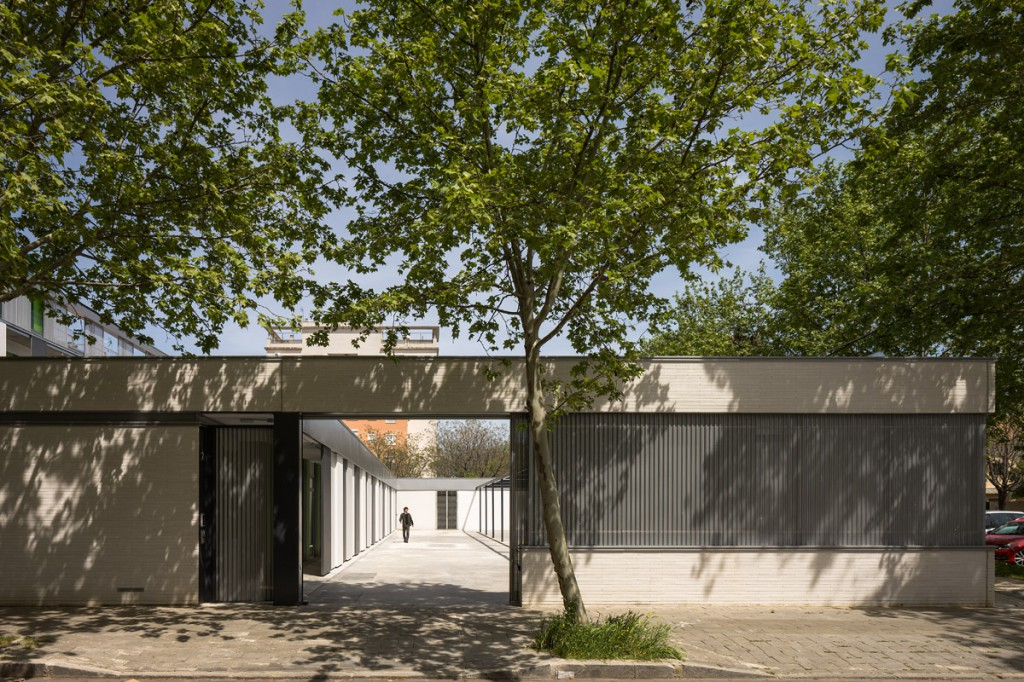 Donaire Arquitectos Residence Hall for the University in Seville